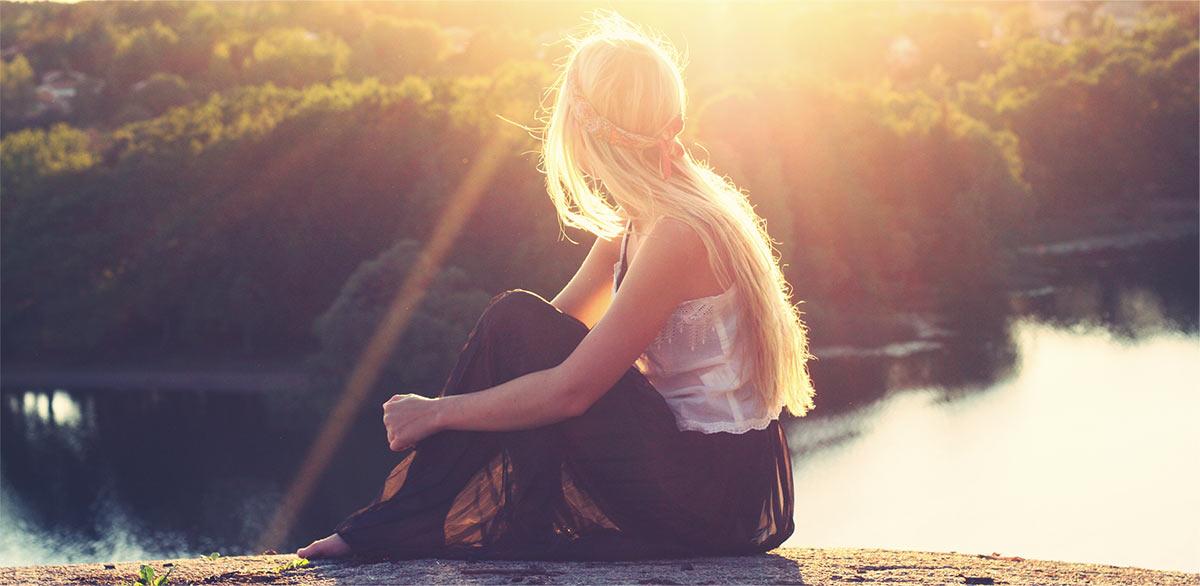 con-mood-1-home-(girl-on-sunshine)