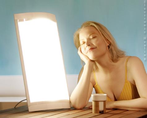 A fényterápia a mióma tünetek enyhítésében, a decemberi lehangoltság érzésben segíthet.