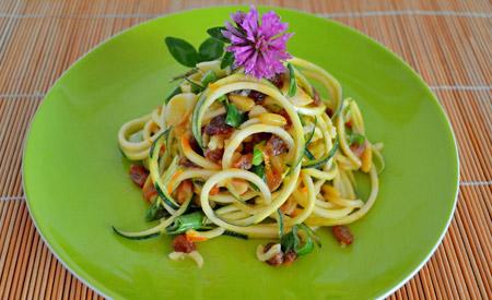 lugosíto-szenhidratmentes_zoldsegspagetti-mioma.hu